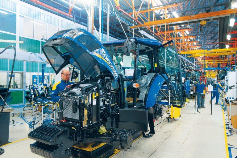 CNH Industrial ferme temporairement des usines